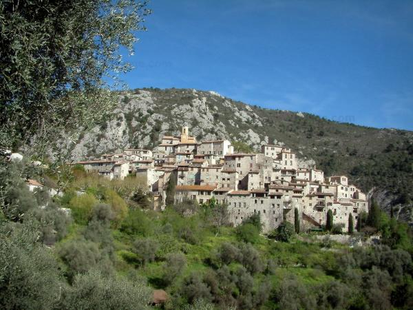 Hilltop villages - Tourism, holidays & weekends guide in the Alpes-Maritimes