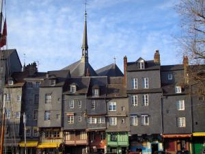 Honfleur - High slate-fronted houses in the Sainte-Catherine quay and the Sainte-Catherine church in background