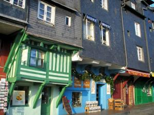 Honfleur - Slate-fronted houses and shops of the Sainte-Catherine quay