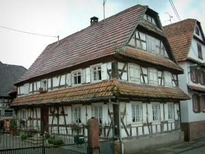 Hunspach - White timber-framed house