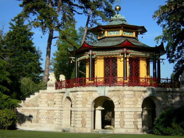 L'Isle-Adam - Chinese pavilion (factory) in the Cassan park