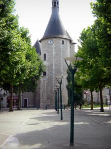 Issoudun - Belfry (ancient town gate, former prison) and square with trees and lampposts