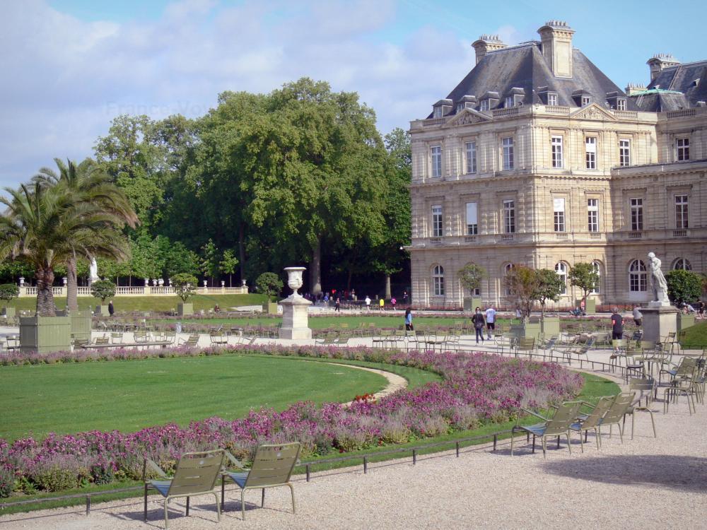 Photos le jardin du luxembourg guide tourisme vacances - Chaise jardin du luxembourg ...