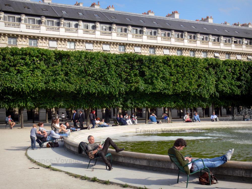 Photos jardin du palais royal 10 images de qualit en for Au jardin du port le palais