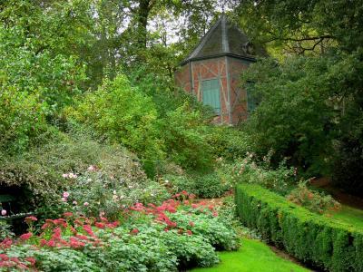 Le jardin du pr catelan guide tourisme vacances - Comment supprimer le liseron au jardin ...