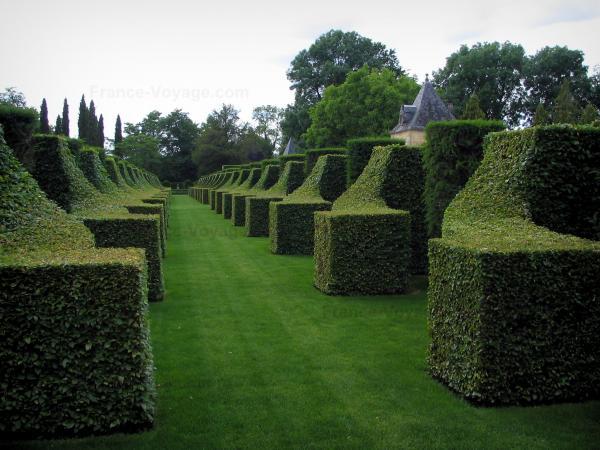 Los jardines de la casa solariega de eyrignac gu a for Jardines en casas pequenas fotos