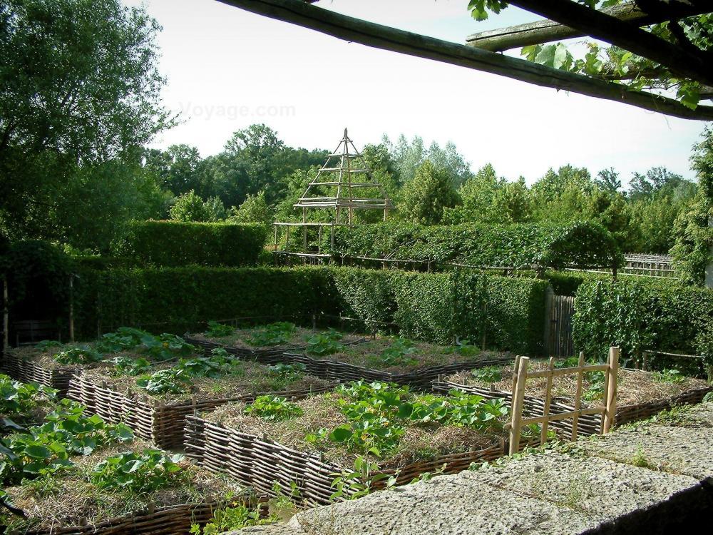 Photos jardins du prieur notre dame d 39 orsan 16 images for Definition du jardin