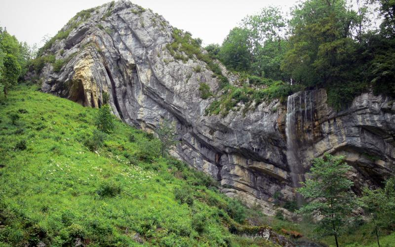 Images 3 High Gendarme Definition Quality De Chapeau Waterfall XwP8NO0nk