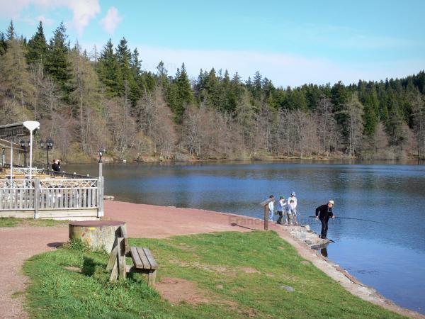 Le lac du bouchet guide tourisme vacances - Office tourisme haute loire ...