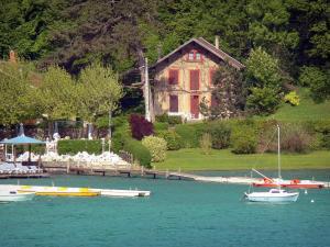 Le Lac De Paladru Guide Tourisme Vacances