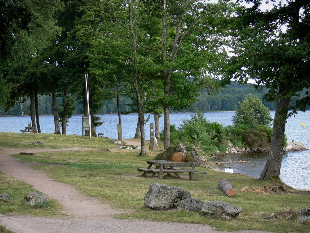 Hotels Restaurants Du Lac Des Settons
