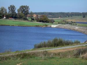 Lakes of Upper Charente - Mas Chaban lake, shores, road, prairies and trees