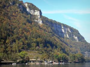 Landscapes of the Ain - Cliffs overlooking the Nantua lake; in Upper Bugey