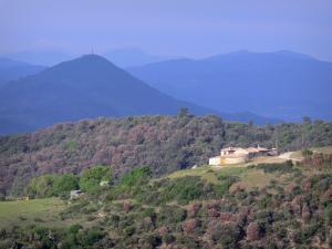 Landscapes of the Ardèche - Farmhouse in a green setting, with views of the hills