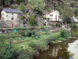 Landscapes of Aveyron - Rance valley: houses and gardens along the river