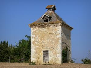 Landscapes of the Gascony - Dovecote of Sarrant in the confines of Lomagne
