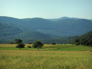Landscapes of the Haute-Garonne - Fields, trees and Comminges hills