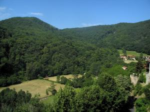Landscapes of the Haute-Garonne - Trees, fields, houses and Comminges hills
