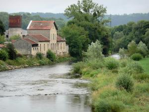 Landscapes of the Haute-Marne - Marne valley: banks of River Marne