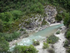 Landscapes of the Hautes-Alpes - Méouge gorges: Méouge river, shrubs, trees and rock face