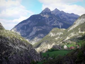 Landscapes of the Hautes-Alpes - Queyras Regional Nature Park: houses, prairies and mountains