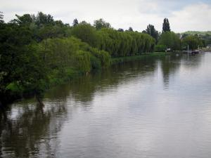 Landscapes of the Indre-et-Loire - The River Cher and the bank with trees