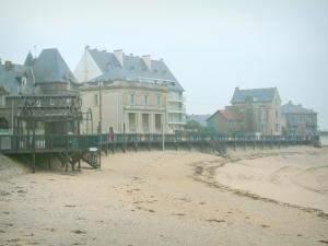 Landscapes of the Loire-Atlantique coast - Houses and sandy beach