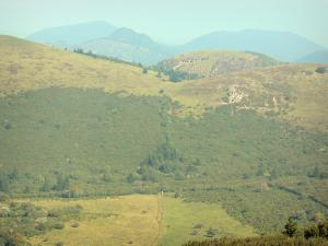 Landscapes of the Puy-de-Dôme - Auvergne Volcanic Regional Nature Park: mountain landscape