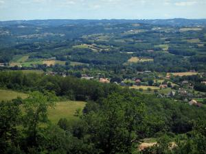 Landscapes of the Quercy - Trees, houses, fields and wood