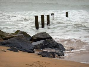 Landscapes of the Vendée - Sand, cliffs, pickets and sea