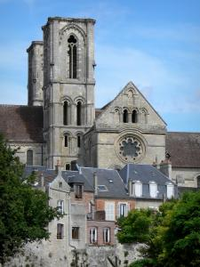 Laon - Towers and transept of the Saint-Martin abbey church overlooking the houses of the town