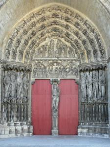 Laon - Central portal of the west facade of the Notre-Dame cathedral of Gothic style