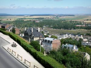Laon - View over the roofs of the lower town and the plain from the ramparts of the upper town