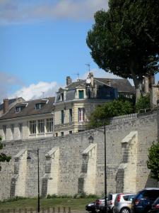 Laon - Walls and facades of houses in the upper town