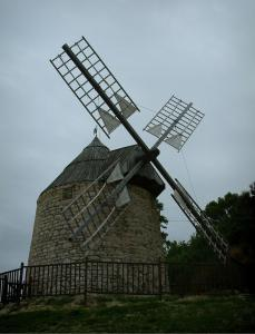 Lautrec - Windmill of the medieval village