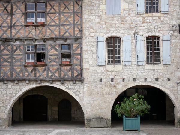 Lauzerte - Tourism, holidays & weekends guide in the Tarn-et-Garonne