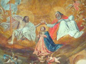 Lescar cathedral - Inside the Notre-Dame cathedral: mural painting of the arch depicting the Coronation of the Virgin