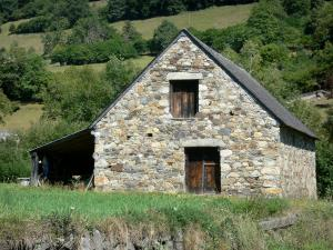 Lesponne valley - Stone house, in the Bigorre area