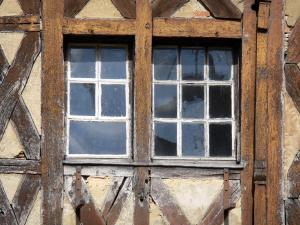 Levroux - Timber-framed windows of the wooden house