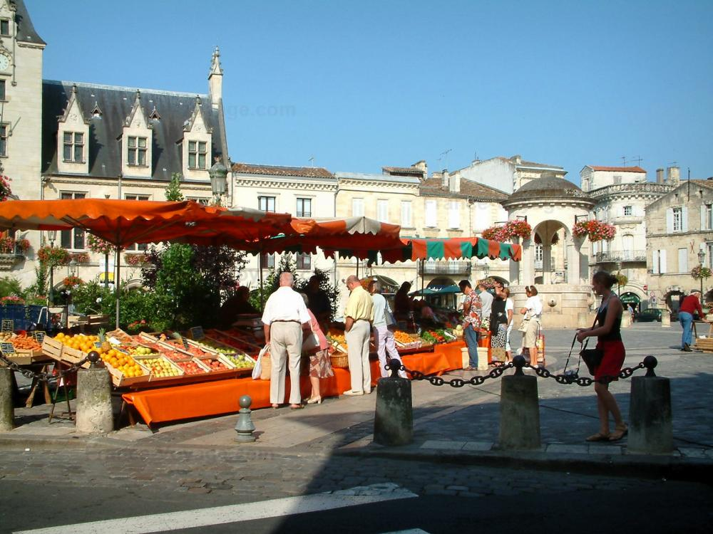 Photos libourne guide tourisme vacances for Piscine de libourne