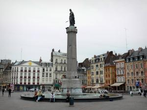 Lille - Grand'Place square (General de Gaulle square), the Déesse column, fountain and houses