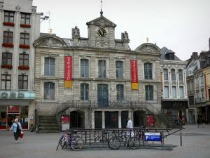 Lille - Grand'Place square (General de Gaulle square), the Grand'Garde (building home to the North theatre), houses and shops