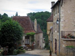 Limeuil - Houses of the medieval village , in Périgord