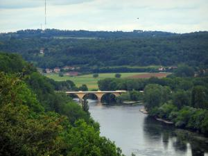 Limeuil - Trees in foreground with view of the confluence of the Dordogne and the Vézère rivers, in Périgord