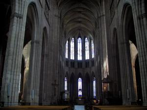 Limoges - Inside of the Saint-Etienne cathedral
