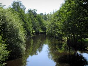 Limousin landscapes - River lined with trees