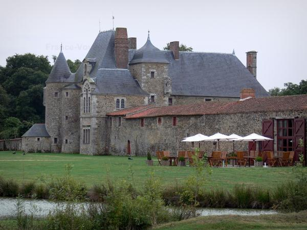 Logis de la Chabotterie manor house - Lodge and outbuildings