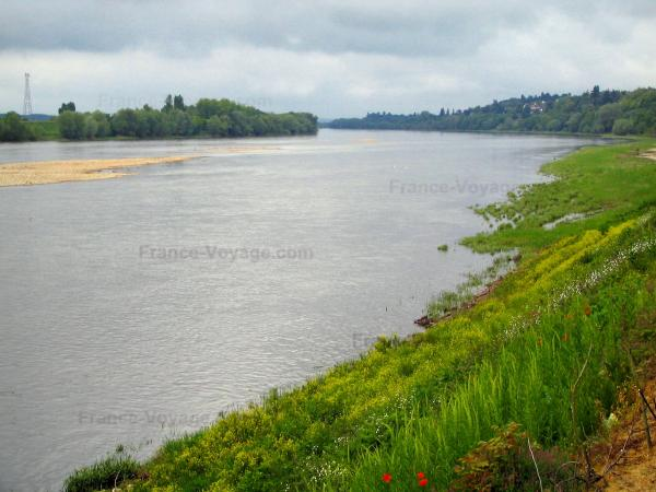 Loire Valley - The Loire River and its banks