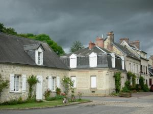 Longpont - Facades of houses in the village