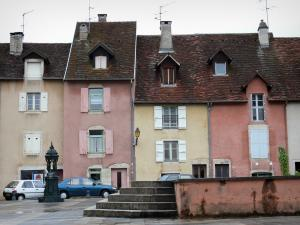 Lons-le-Saunier - Houses with colourful facades of the Comédie square